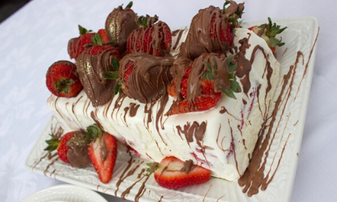 Strawberry Giant Twins Ice Cream Cake